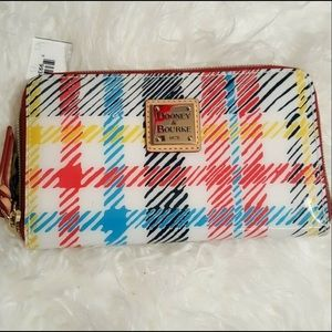 🎉HP🎉 Dooney&Bourke Chatham MultiColor